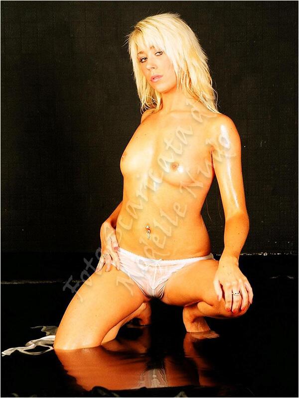 Charlotte Modella Derbyshire