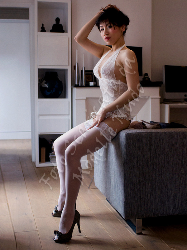 Miss Tingting modella cinese